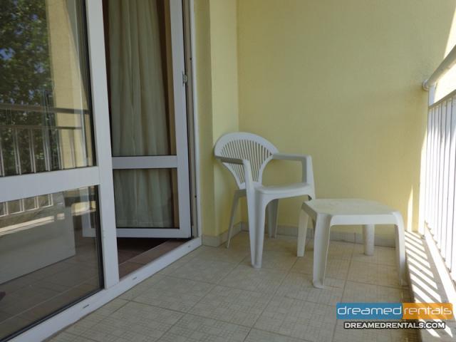 2 стаен обзаведен апартамент Сл.бряг на 500м от плажа
