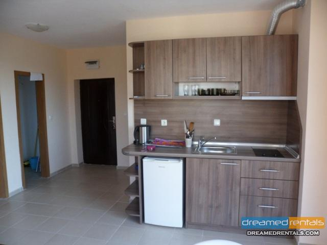 Апартамент с една спалня и дневна в жилищна сграда! Слънчев Бряг